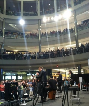 Kutless performs for more than 3,500 fans at the Mall of America