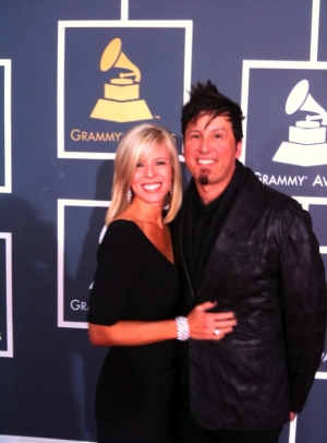 Ricardo_Sanchez_and_wife_at_the_grammys