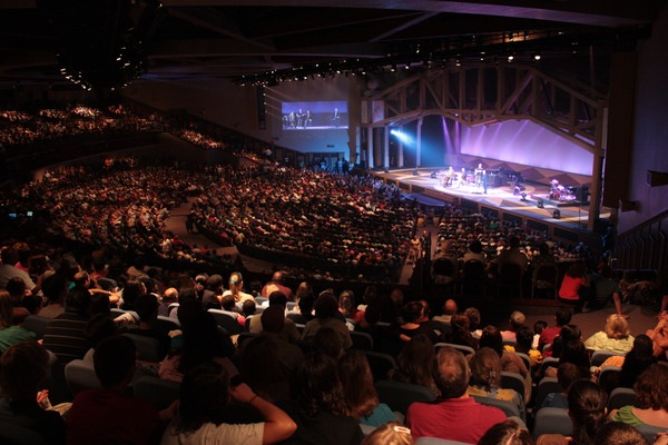 phillips_craig_and_dean_play_to_a_crowd_of_4000_at_northland_church_in_orlando